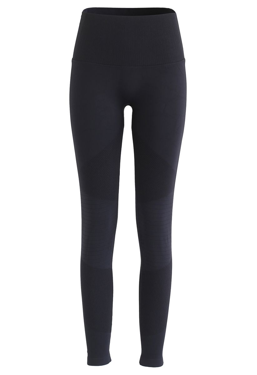 High-Rise Fitness Leggings in Black