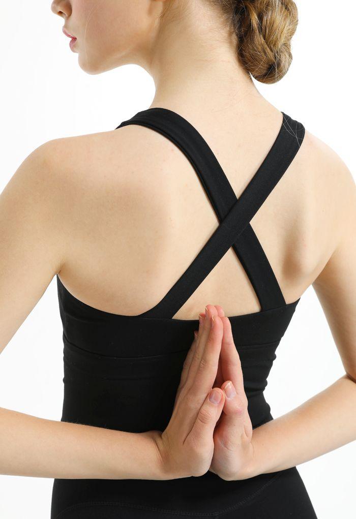 Cross Back Zipper Front Panelled Sports Bra in Black