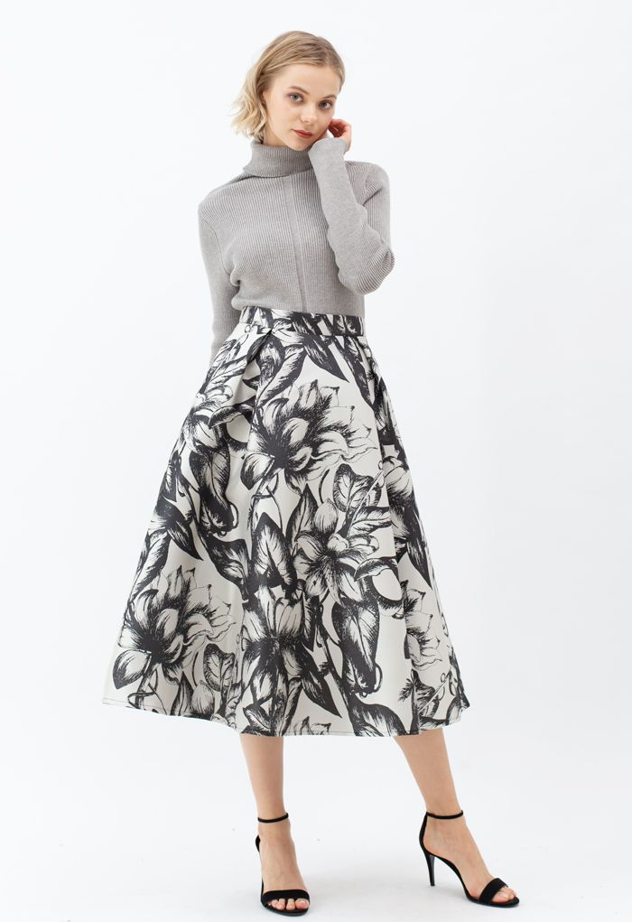 Blooming Black Floral Pleated Flare Skirt