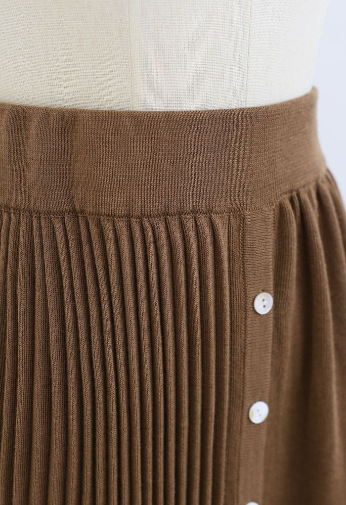 Button Front Pleated Ribbed Knit Skirt in Caramel