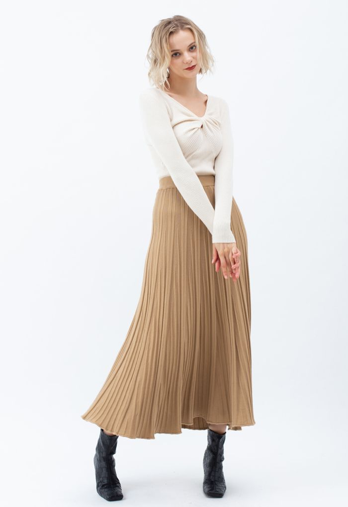 Solid Pleated Knit Skirt in Camel