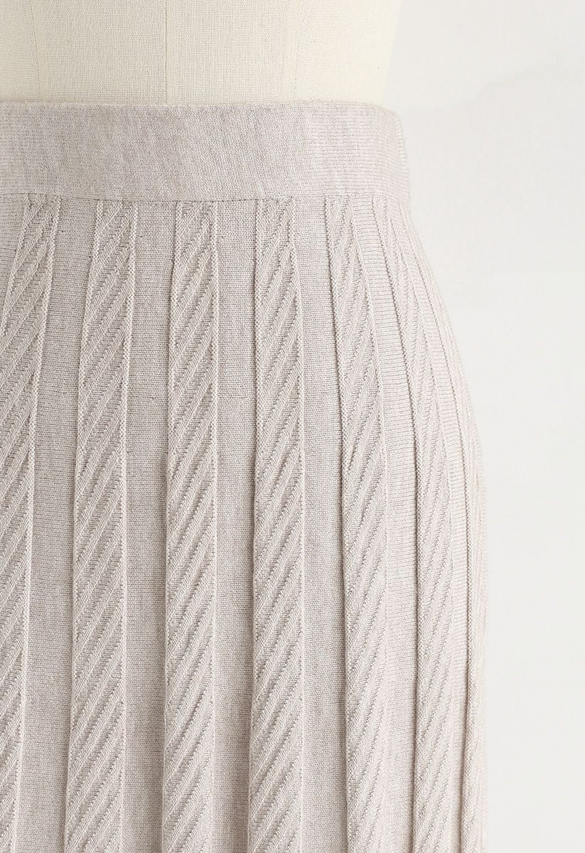 Parallel Pleated Knit Midi Skirt in Sand