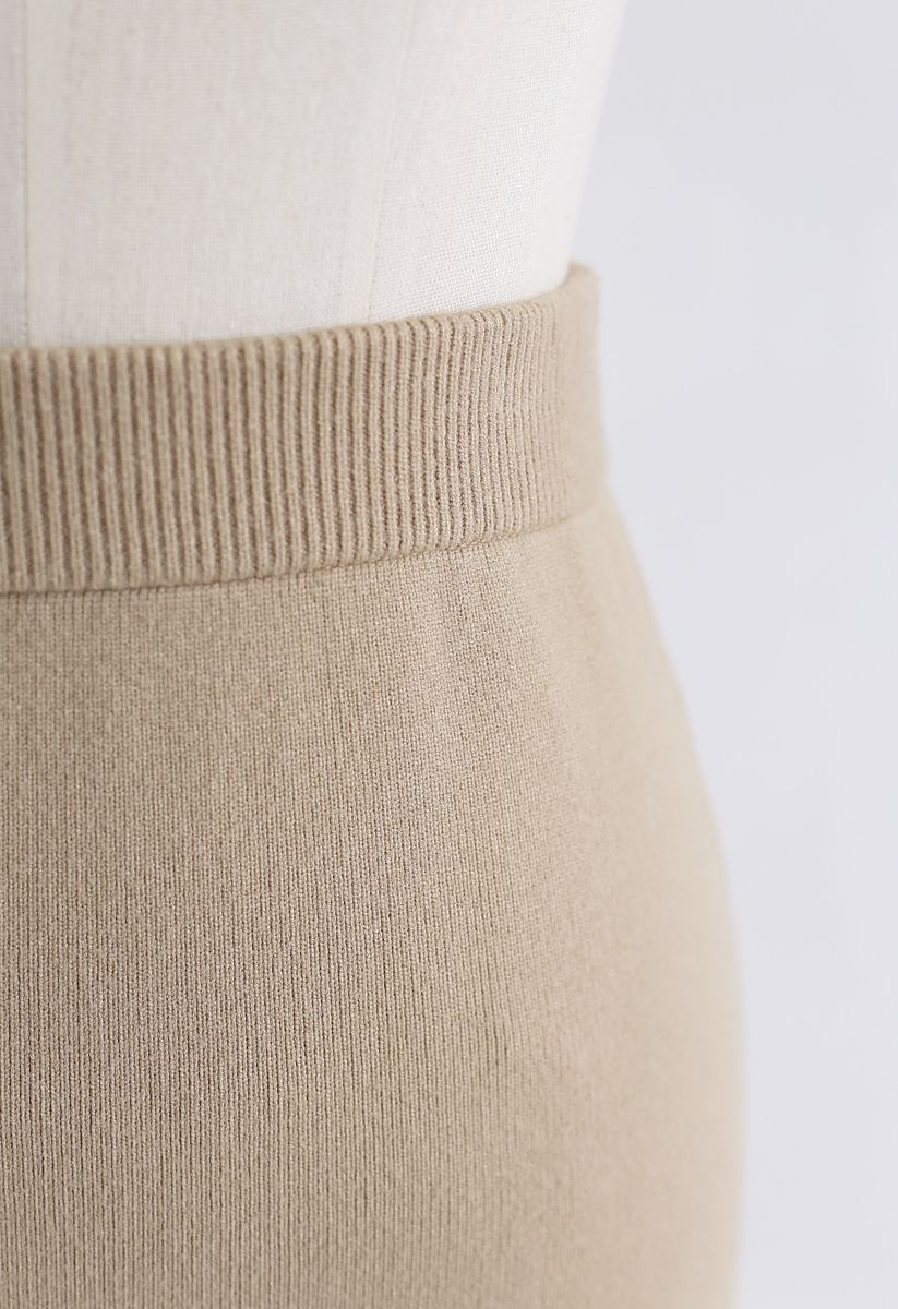 Basic Ribbed Knit Pencil Midi Skirt in Tan
