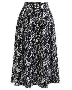 Floret Shadow Pleated Midi Skirt in Black