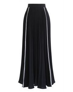 Simple Line Trim Pleated Skirt in Black